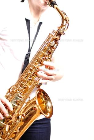 サックスの演奏の写真素材 [FYI00200596]