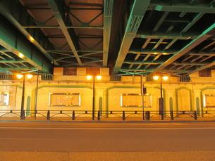 ガード下の道の写真素材 [FYI00200779]