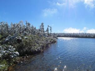 八幡平 雪の八幡沼の写真素材 [FYI00200924]