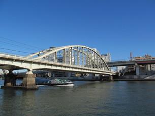 隅田川と鉄橋の写真素材 [FYI00201014]