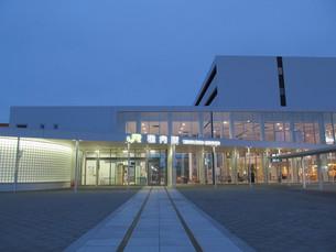 夕暮れの稚内駅の写真素材 [FYI00201018]