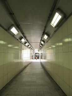 地下道の写真素材 [FYI00201120]