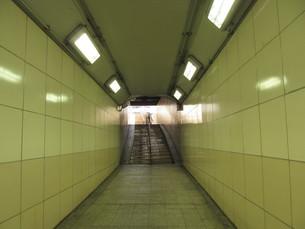 地下道の写真素材 [FYI00201133]