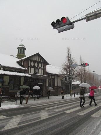 大雪の原宿駅の写真素材 [FYI00201389]
