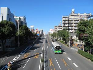 環七通りと都営バスの写真素材 [FYI00201564]