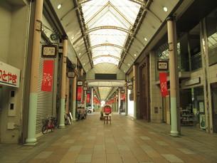 富山の閑散とした通りの写真素材 [FYI00201840]