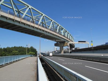 幹線道路と鉄橋の素材 [FYI00201847]