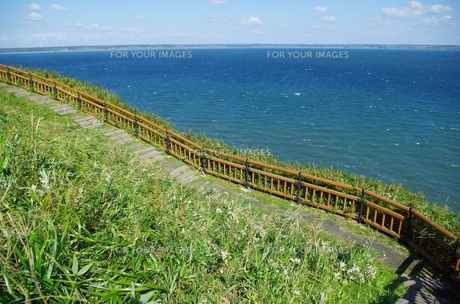 海と遊歩道の坂の素材 [FYI00201937]
