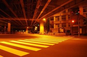 夜の道の素材 [FYI00201975]
