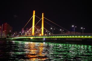 夜の新大橋の素材 [FYI00201982]