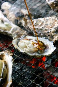 焼き牡蠣の写真素材 [FYI00202329]