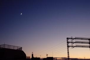 住宅街の夕暮れの写真素材 [FYI00202382]