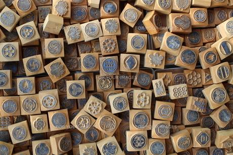 家紋・木彫りの素材 [FYI00202396]