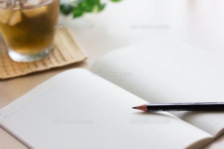 ノートと鉛筆の写真素材 [FYI00202415]