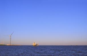 風と海と船の写真素材 [FYI00202690]