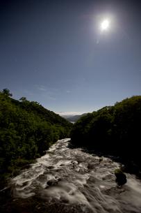 日光 夜の滝の写真素材 [FYI00202914]