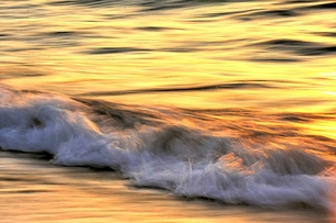 波の彩の写真素材 [FYI00203044]