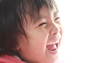笑顔の子供の写真素材 [FYI00203163]