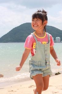 海と女の子の写真素材 [FYI00203179]