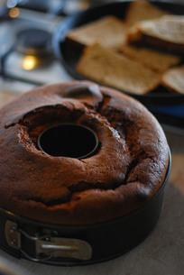 焼きたてケーキの写真素材 [FYI00203396]
