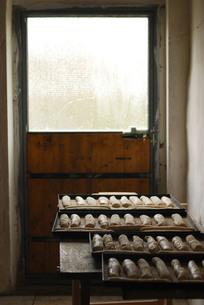パンとドアの写真素材 [FYI00203417]