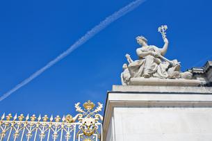 ベルサイユ宮殿の門の写真素材 [FYI00203681]