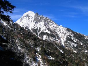 冬の赤岳の写真素材 [FYI00203891]