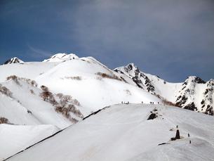 残雪の八方尾根の写真素材 [FYI00203917]