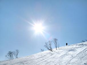 青空と雪山の写真素材 [FYI00203924]