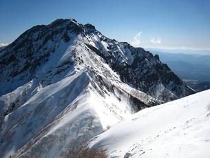 厳冬期赤岳の写真素材 [FYI00203927]