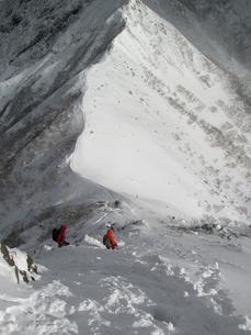 冬山を行くの写真素材 [FYI00203946]