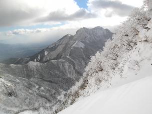 冬の八ヶ岳と樹氷の写真素材 [FYI00203957]