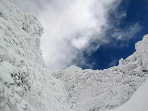 氷雪に覆われた八ヶ岳の写真素材 [FYI00203958]
