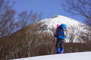 スノーシュー登山の素材 [FYI00204172]