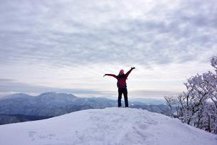 スノーシュー登山の写真素材 [FYI00204194]