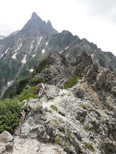 北鎌尾根上から見る槍ヶ岳の写真素材 [FYI00204422]