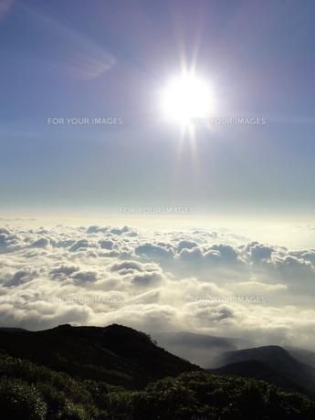 夏の雲海の素材 [FYI00204467]