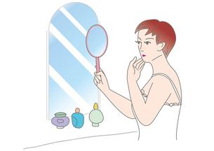 手鏡で肌を気にする女性の素材 [FYI00205555]
