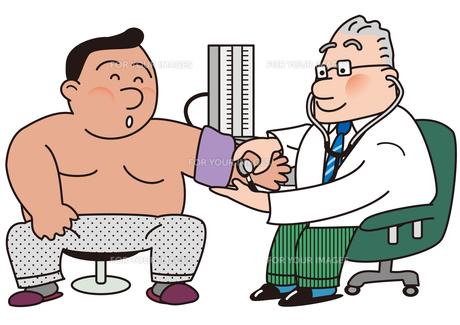 肥満患者の血圧を測る医者の写真素材 [FYI00205620]