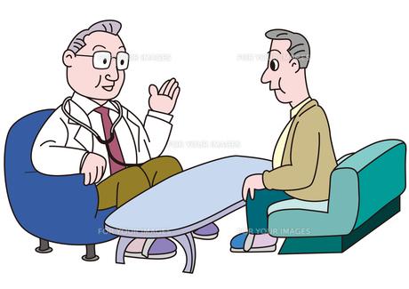 医者の説明を聞く男性の素材 [FYI00205651]