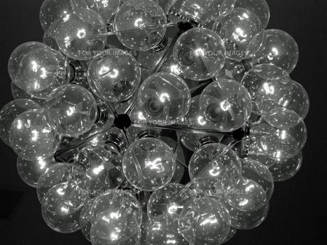 ライト(モノクロ)の写真素材 [FYI00206377]