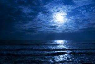 蒼い海の写真素材 [FYI00206912]