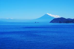 駿河湾と富士山の写真素材 [FYI00207018]