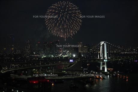東京湾大華火祭の写真素材 [FYI00207320]