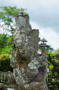 タマンアユン寺院前の像の写真素材 [FYI00207621]