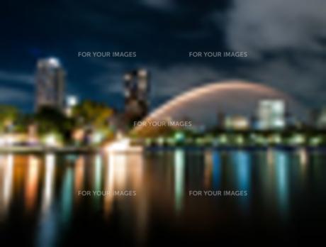 噴水のある夜景の写真素材 [FYI00207796]