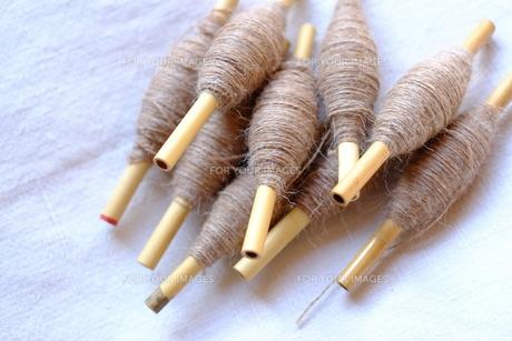 機織り作業の小管(こくだ)の写真素材 [FYI00208907]