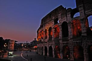 ローマの夕焼けの写真素材 [FYI00210367]
