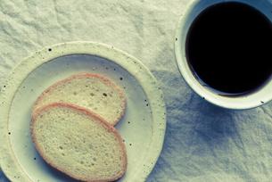 ラスクとコーヒーの写真素材 [FYI00210576]