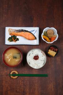 日本の食卓イメージの写真素材 [FYI00212278]